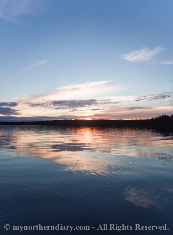 Beautiful-sunset-over-finnish-lake-CRW_0553.jpg