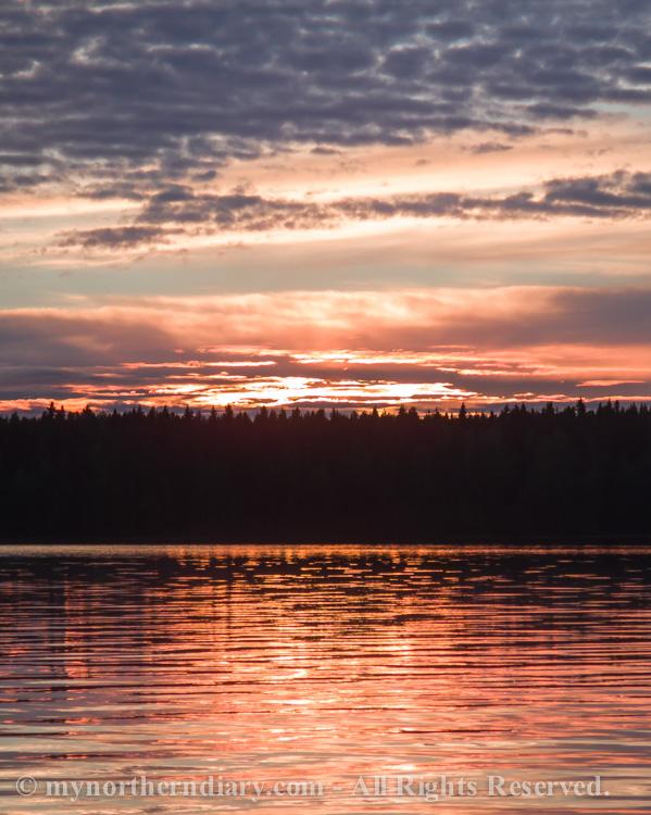 Beautiful-sunset-over-finnish-lake-CRW_0555.jpg
