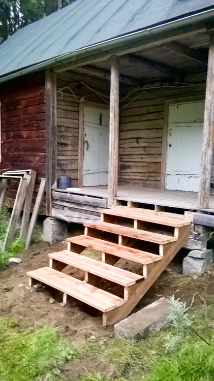 Building-new-stairs-from-impregnated-wood-to-my-new-workshop-V_B5DA.jpg