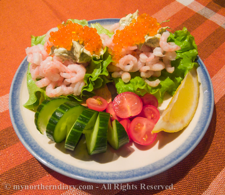 Delicious-prawn-breads-with-mayonnaise-and-rainbow-trout-roe-CRW_4453.jpg