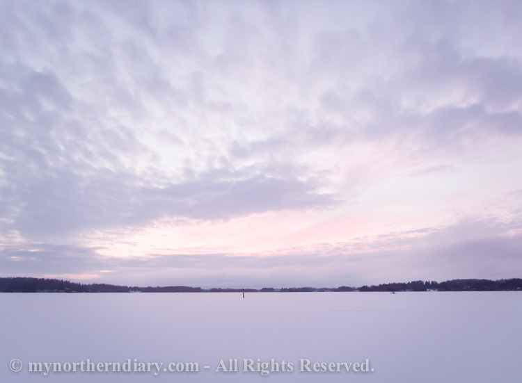 Relaxing-sight-on-snowy-lake-CRW_3092.jpg