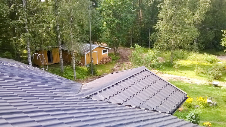Roof-sight-to-my-new-yard-WP_20160724_013.jpg