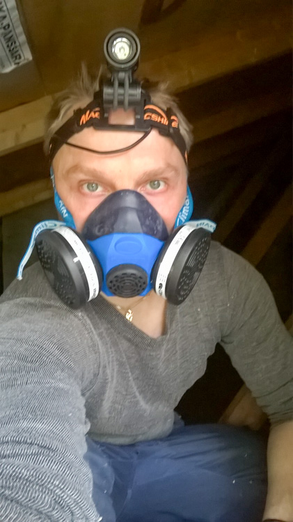Working-in-dusty-roof-demands-for-respirator-WP_20160724_007.jpg