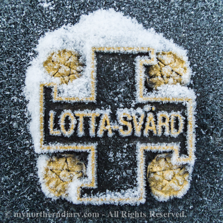 grave stone, hautakivi, Lotta-Svard logo_CRW_0802
