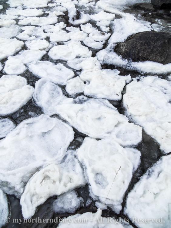icy shore, jainen ranta, pancake ice, pienia jaalauttoja_CRW_0781